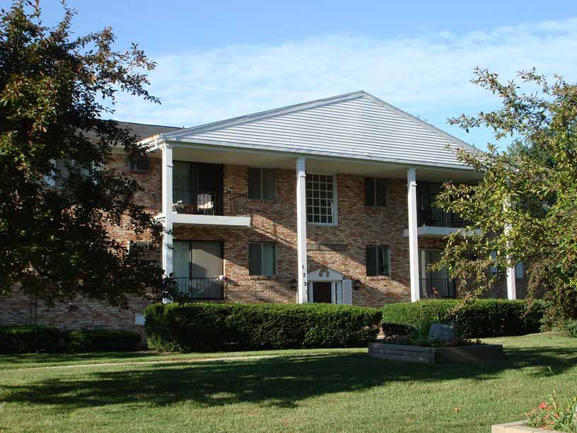Chief Okemos Apartments
