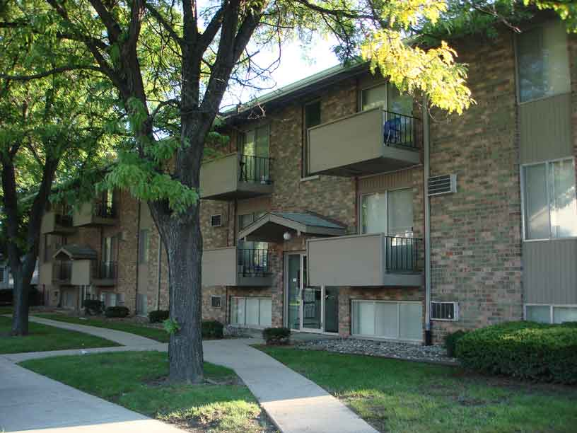 134 - 144 Stoddard Ave., East Lansing, MI - Student Housing - Front of Apartment